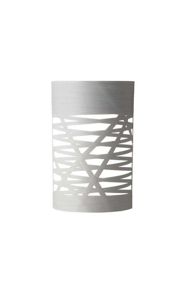 Lampada da parete Tress in materiale composito su base di fibra di vetro laccato e metallo verniciato color bianco realizzata da Marc Sadler per Foscarini