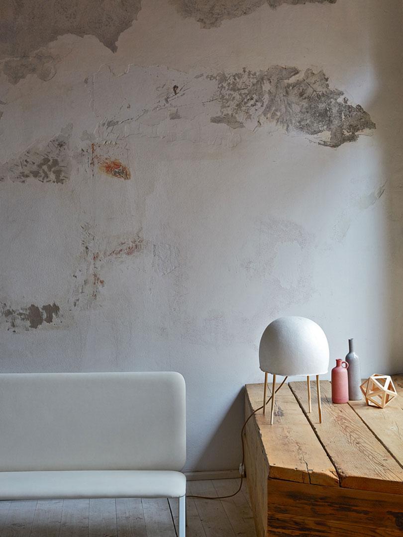 Kurage lampade da tavolo particolari for Lampade da comodino particolari