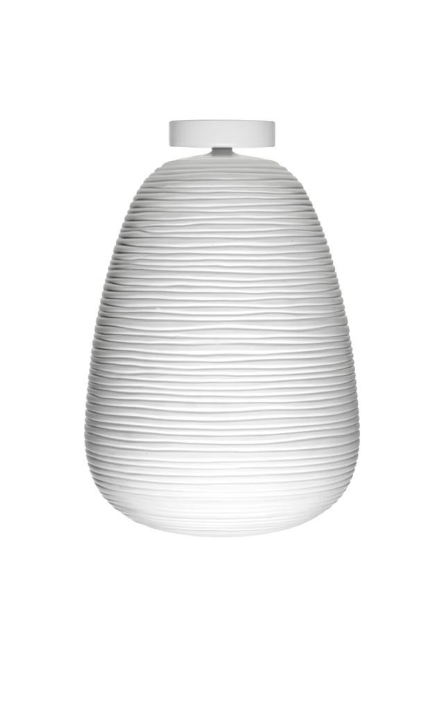 Lampada da soffitto Rituals 1 in vetro soffiato satinato inciso e metallo verniciato color bianco realizzata da Ludovica+Roberto Palomba per Foscarini