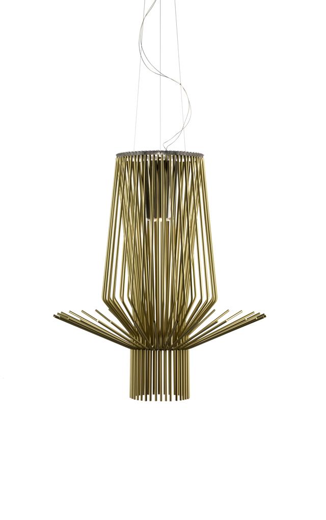 Lampada a sospensione Allegretto Assai in alluminio verniciato e metallo cromato color oro realizzata da Atelier Oï per Foscarini