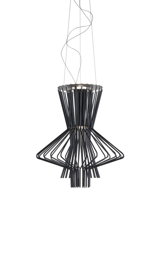 Lampada a sospensione Allegretto Ritmico in alluminio verniciato e metallo cromato color grafite realizzata da Atelier Oï per Foscarini