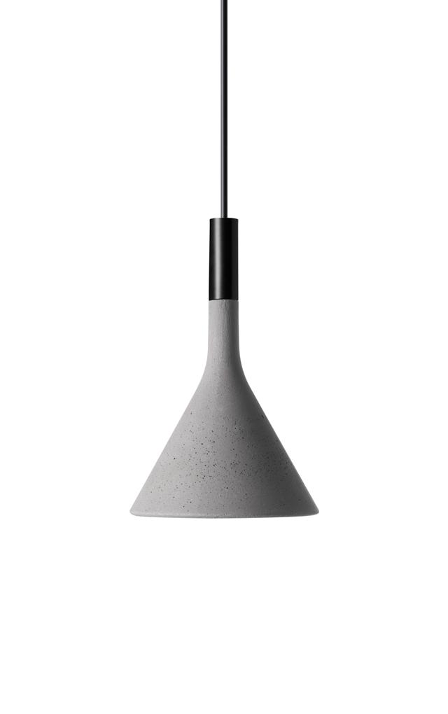 Lampada a sospensione Aplomb Mini in cemento color grigio cemento creata da Luca Pevere e Paolo Lucidi per Foscarini