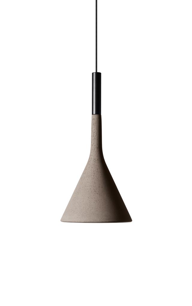 Lampada a sospensione Aplomb in cemento e alluminio color grigio cemento creata da Luca Pevere e Paolo Lucidi per Foscarini