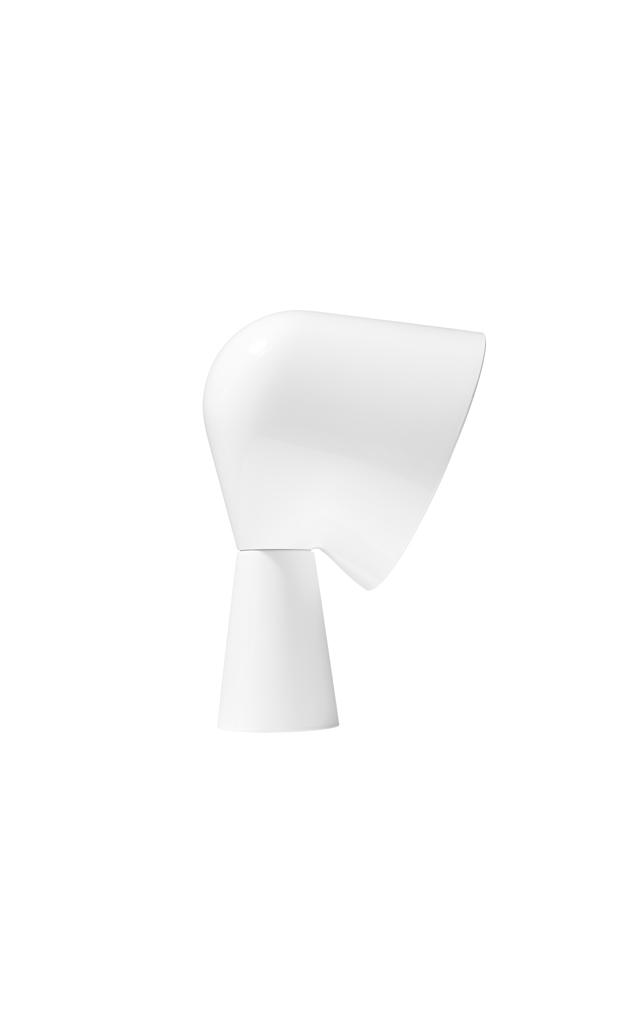 Lampada da tavolo Binic in ABS masterizzato e policarbonato color bianco realizzata da Ionna Vautrin per Foscarini