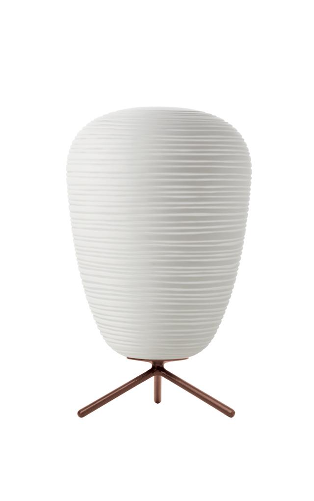 Lampada da tavolo Rituals 1 in vetro soffiato satinato inciso e metallo verniciato color bianco realizzata da Ludovica+Roberto Palomba per Foscarini