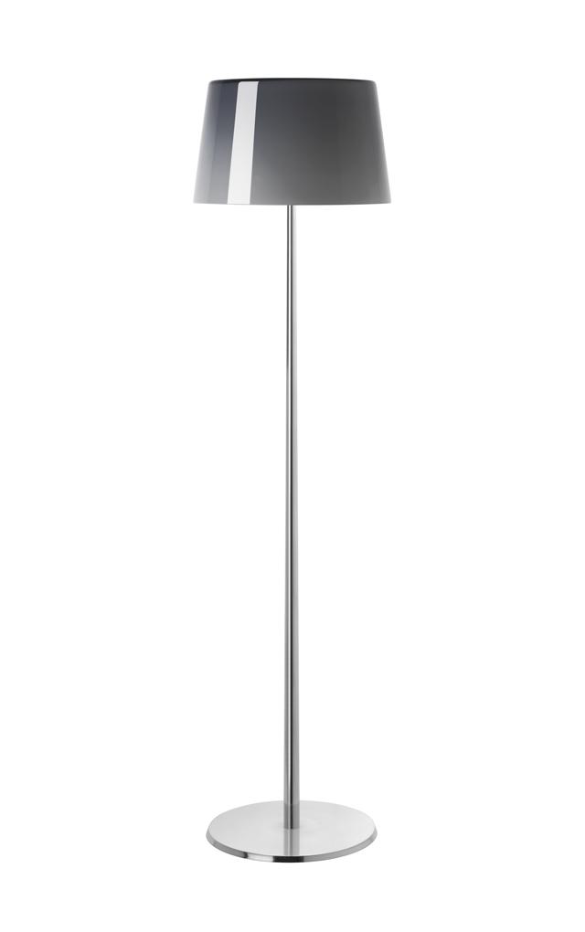 Lampada da terra Lumiere XXL in vetro soffiato color grigio freddo e alluminio laccato realizzata da Rodolfo Dordoni per Foscarini