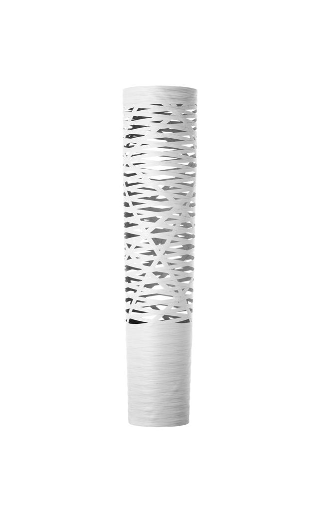Lampada da terra Tress in materiale composito su base di fibra di vetro laccato, metallo verniciato e alluminio color bianco realizzata da Marc Sadler per Foscarini