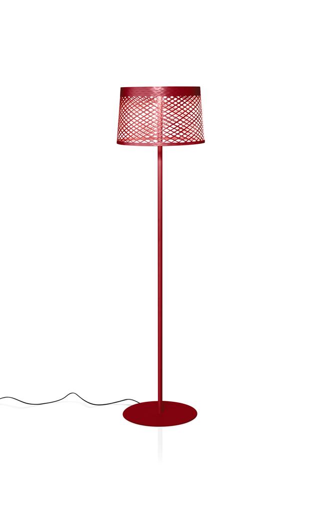 Lampada da terra outodoor Twiggy Grid Lettura in materiale composito su base di fibra di vetro laccato, PMMA, metallo verniciato e alluminio color carminio realizzata da Marc Sadler per Foscarini