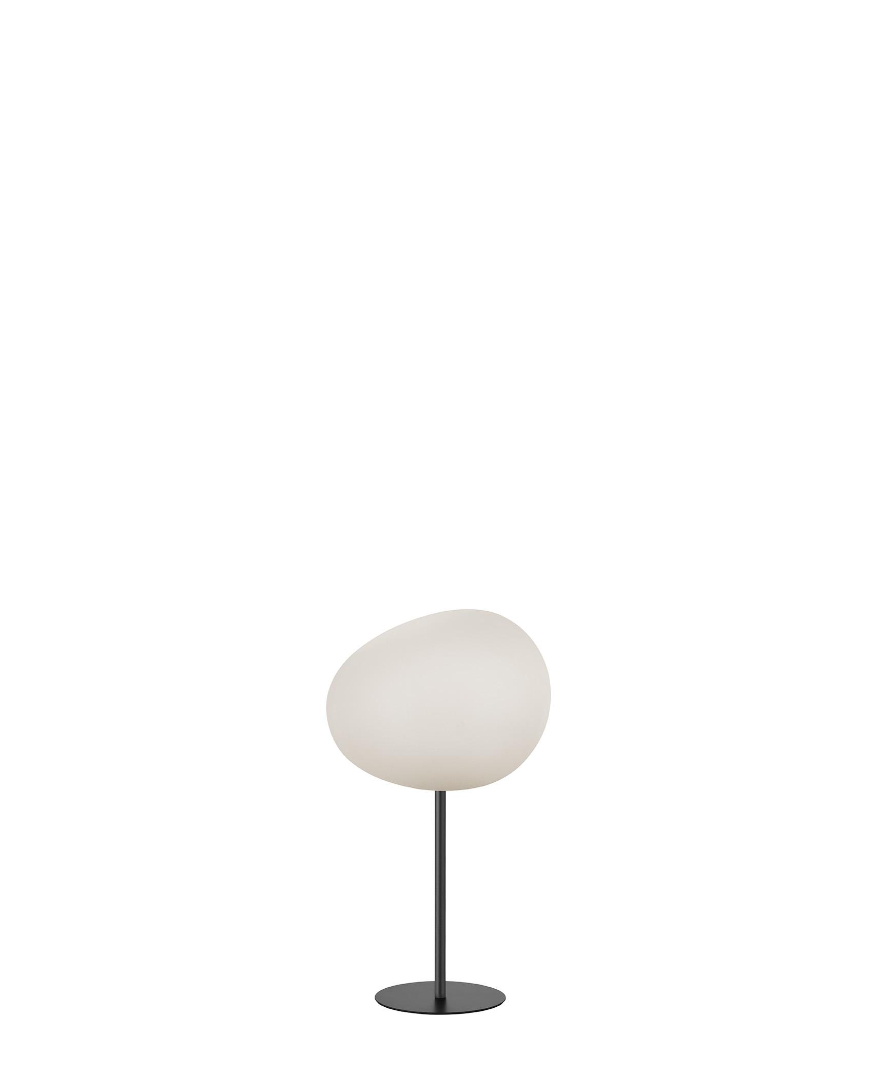 Lampada da tavolo Gregg Mix&Match in vetro soffiato acidato e metallo verniciato color antracite realizzata da Ludovica+Roberto Palomba per Foscarini