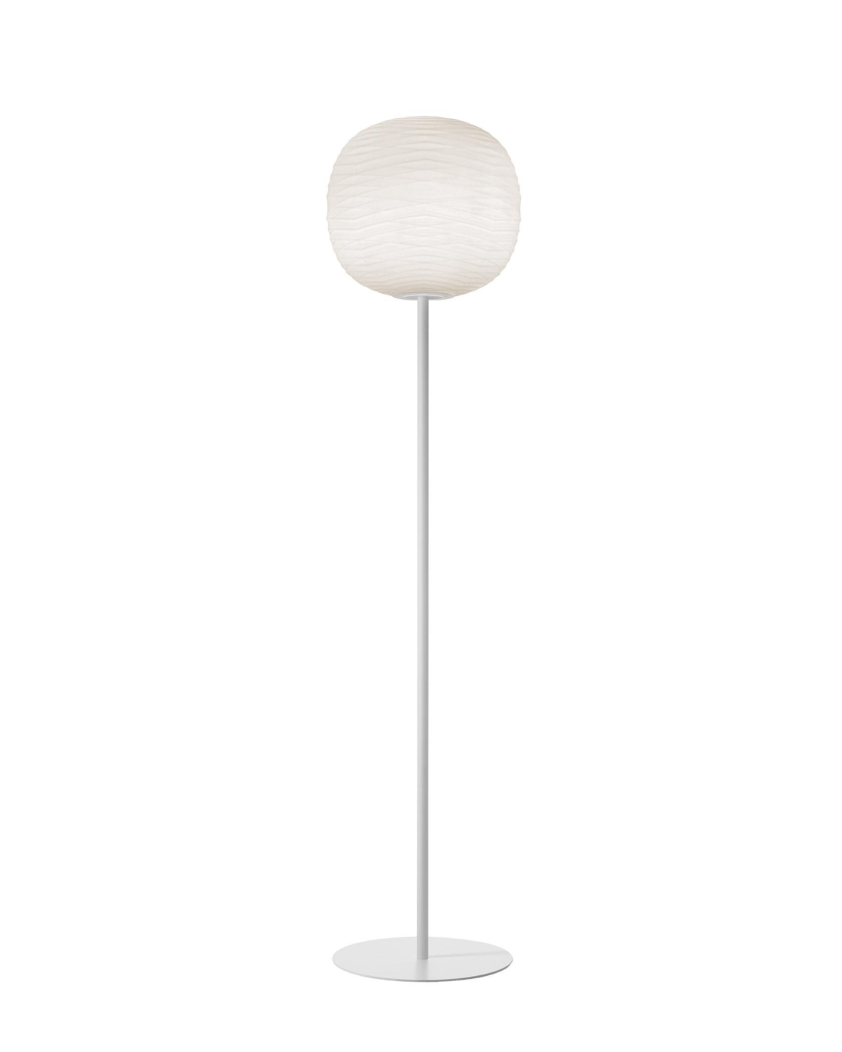 Lampada da terra Gem Mix&Match in vetro soffiato in rilievo e acidato e metallo verniciato color bianco realizzata da Ludovica+Roberto Palomba per Foscarini